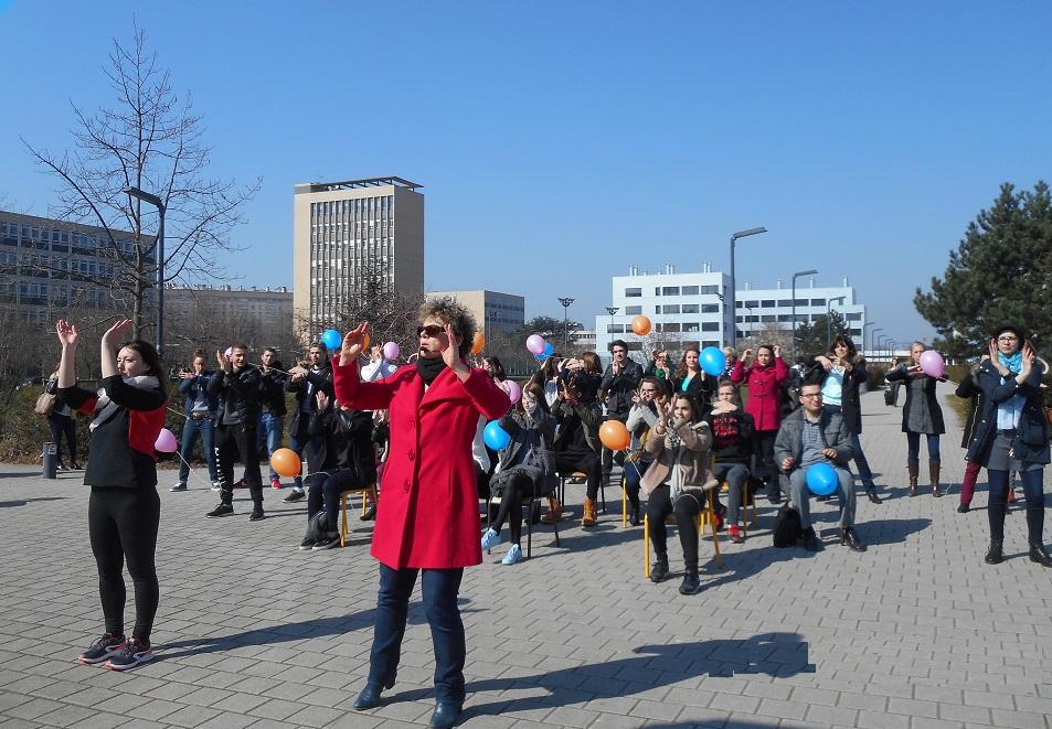 Flashmob et chorégraphie danse adapté (assis-debout)