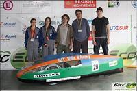 l'équipe tout électrique et le véhicule ÉcoCar 5E au Challenge EducEco 2010