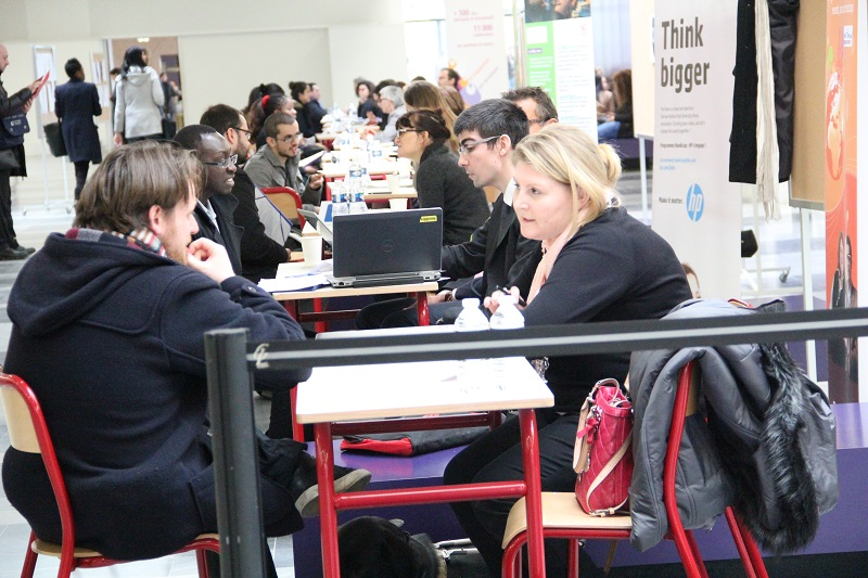 Rencontre directe des employeurs avec les jeunes diplômés en situation de handicap à l'Université Paris Nanterre